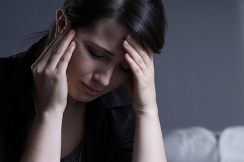 Мнение психологов о роли плакальщиц на похоронах
