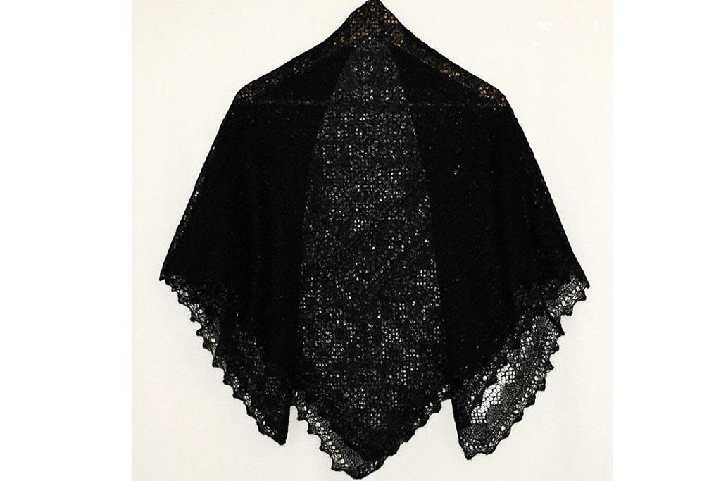 Можно ли носить траурный платок на шее