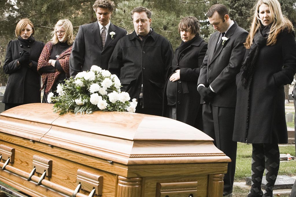 Почему хоронят на 3 день после смерти и чего категорически делать нельзя