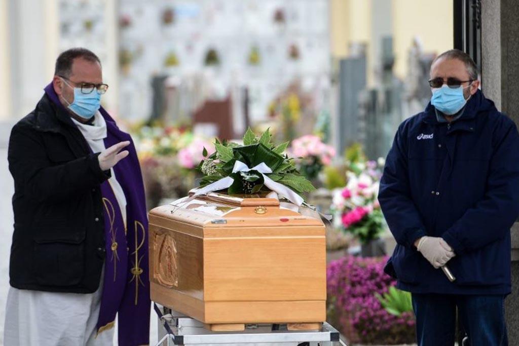 Почему хоронят в закрытом гробу, если диагноз пневмония