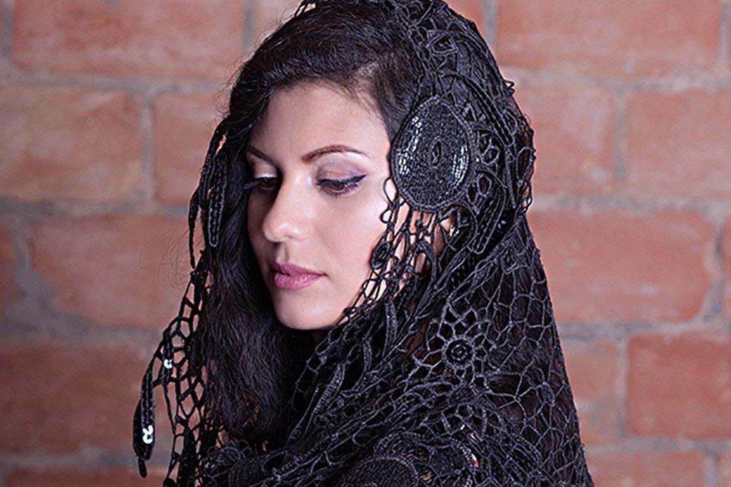 Сколько дней носят траурный платок после похорон на голове