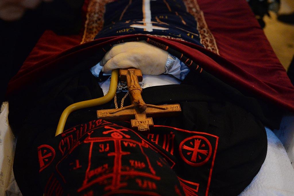 Захоронение знатных чиновников в первых гробах