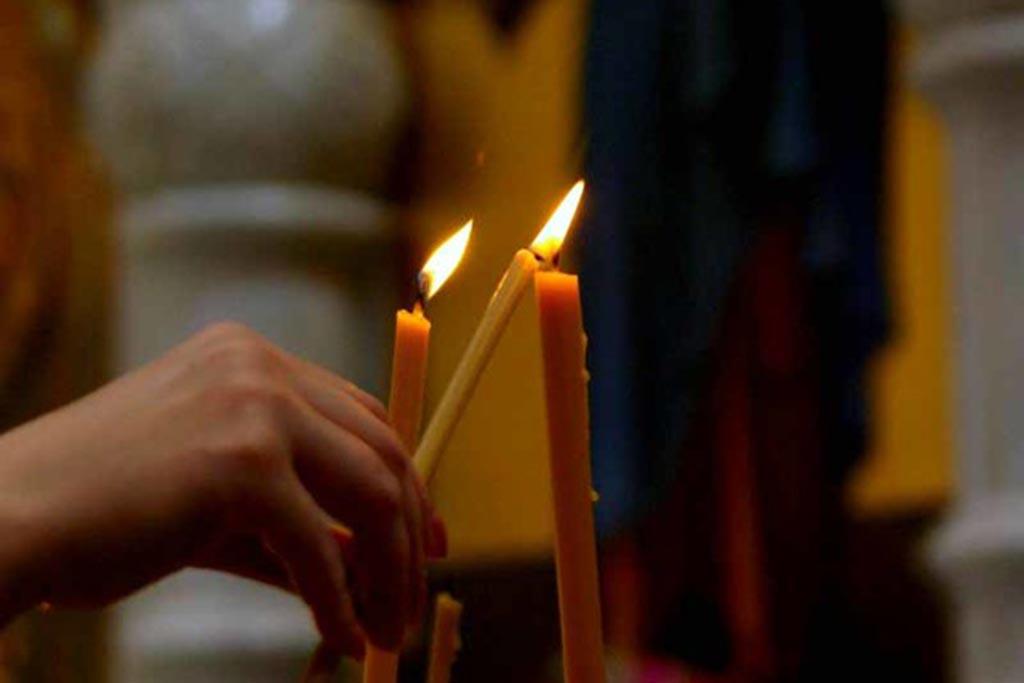 Что делать со свечами после отпевания покойника