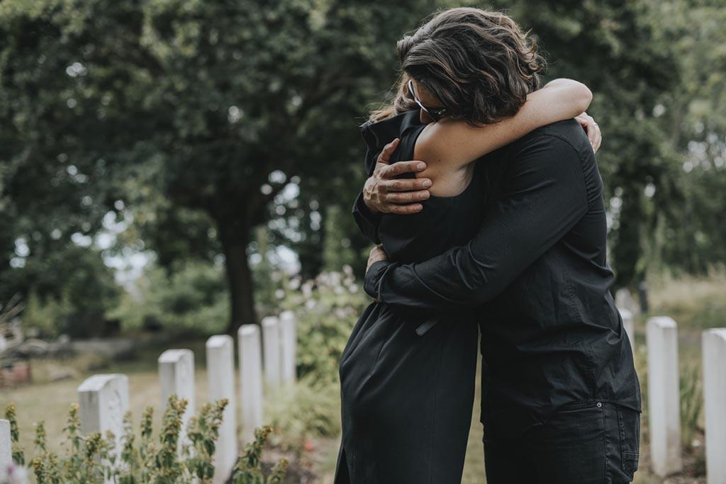 Ожидание родственников на похороны