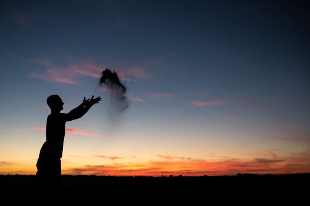 Развеять прах согласно воле покойного