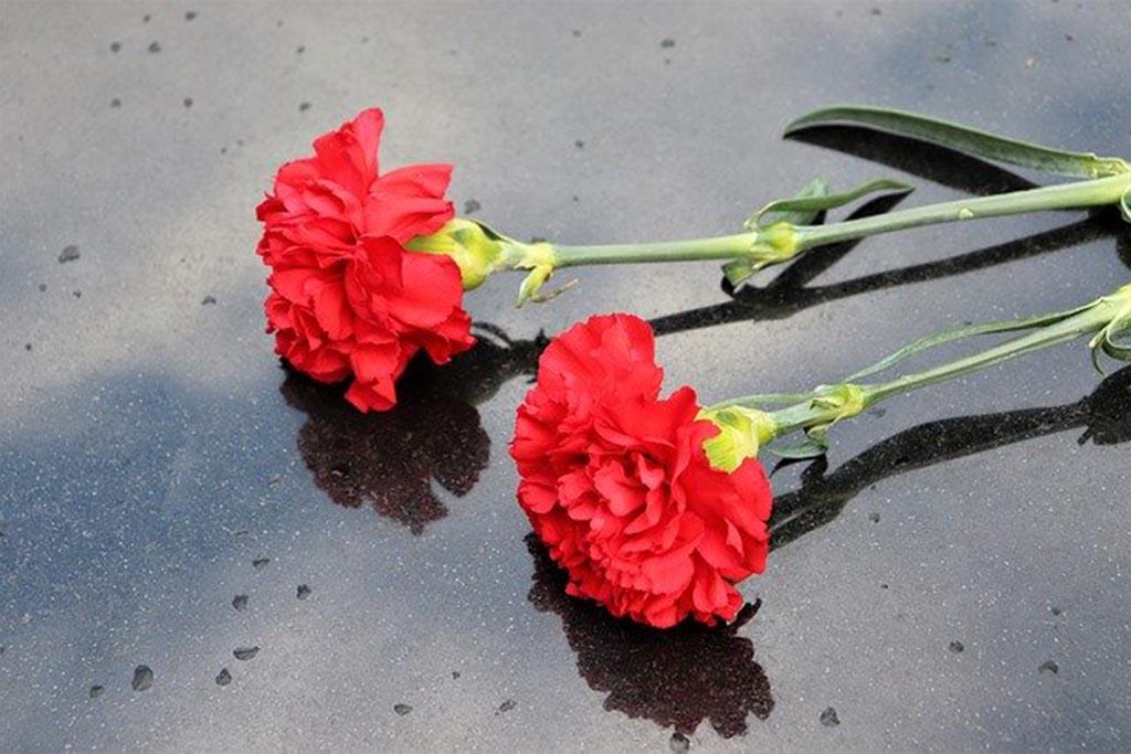 Цветы для усопшего мужчины