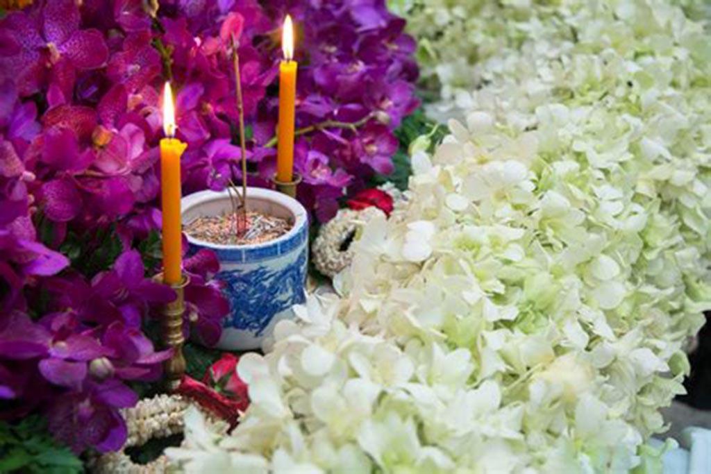 Цветы на похоронах, согласно индуизму