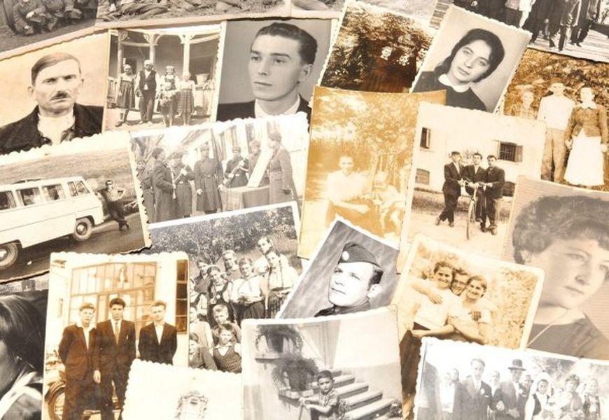Что делать со старыми черно-белыми фотографиями умерших родственников в доме?