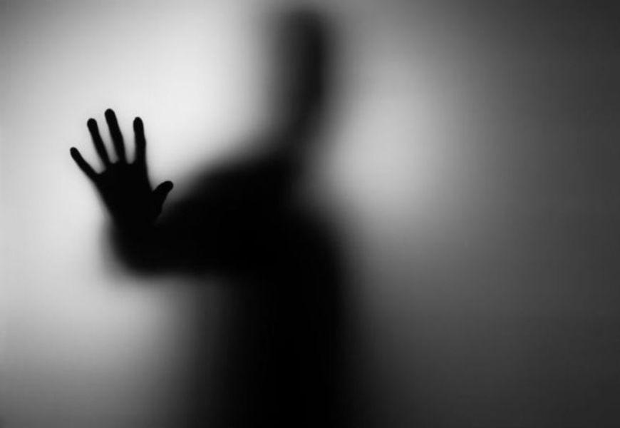 Почему о покойниках нельзя говорить плохо – о них только хорошо или никак: объяснение с точки зрения эзотерики, религии и энергетической силы слова