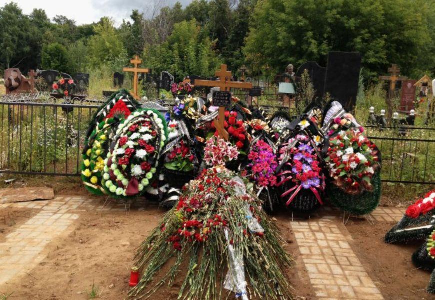 Ритуальные венки как аналог живых цветов