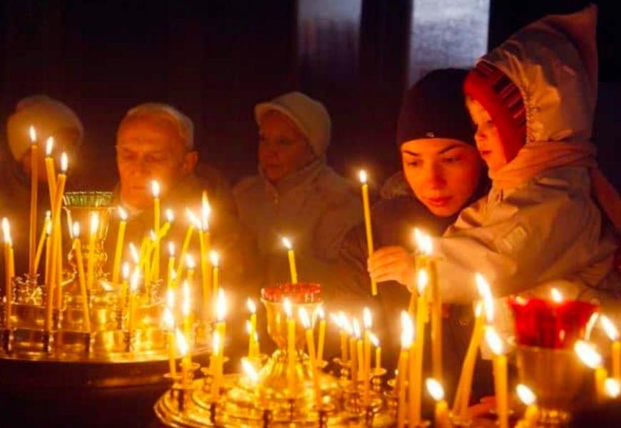 Свеча за упокой, куда ставить в церкви