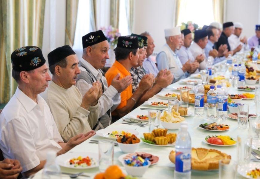 Застолье мусульман