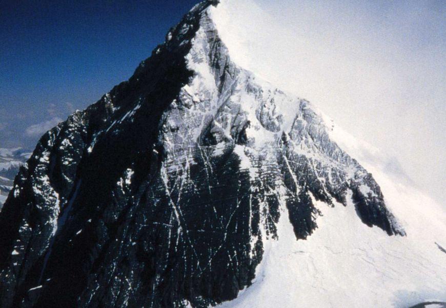 Как происходит разложение тел в минусовой температуре на Эвересте?