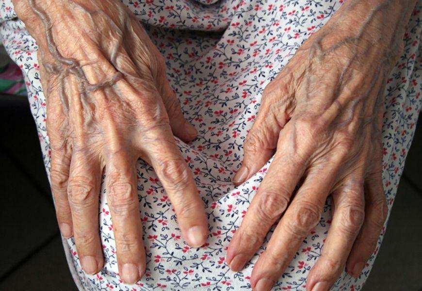 Кто имеет право на получение пенсии умершего родственника