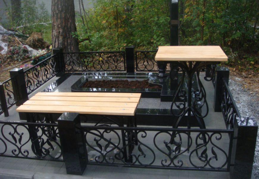 Скамейка и столик своими руками на кладбище