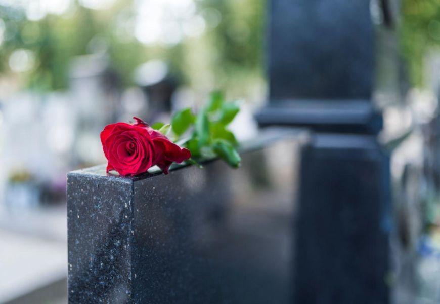 ТОП-17 лучших видов гранита для памятников на могилу